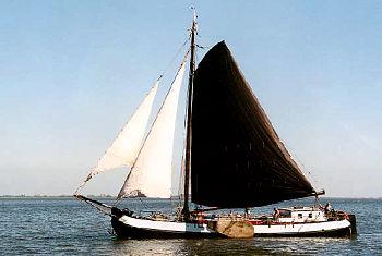 die Tjalk Emma auf See