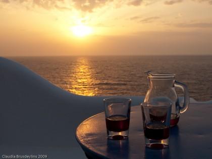 Typisch Griechenland: Wein(en) bei Sonnenuntergang