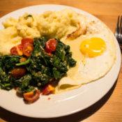 Der Klassiker: Kartoffelbrei mit Spinat und Spiegelei
