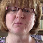Mit Zungenbrecher-Videos Bücher gewinnen: Schauplatz macht mit